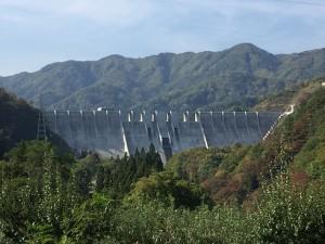 完成した津軽ダム16.10 (2)
