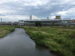 水と緑の旭川駅 (1)