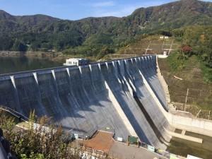 完成した津軽ダム16.10 (1)