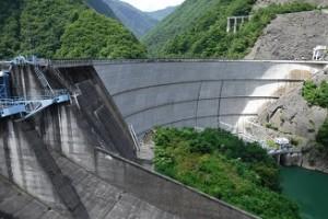 水殿ダム下流
