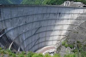 奈川度ダム下流側