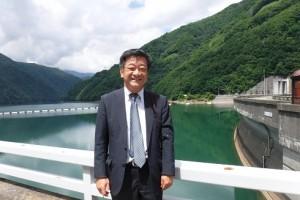 奈川度ダム上流側
